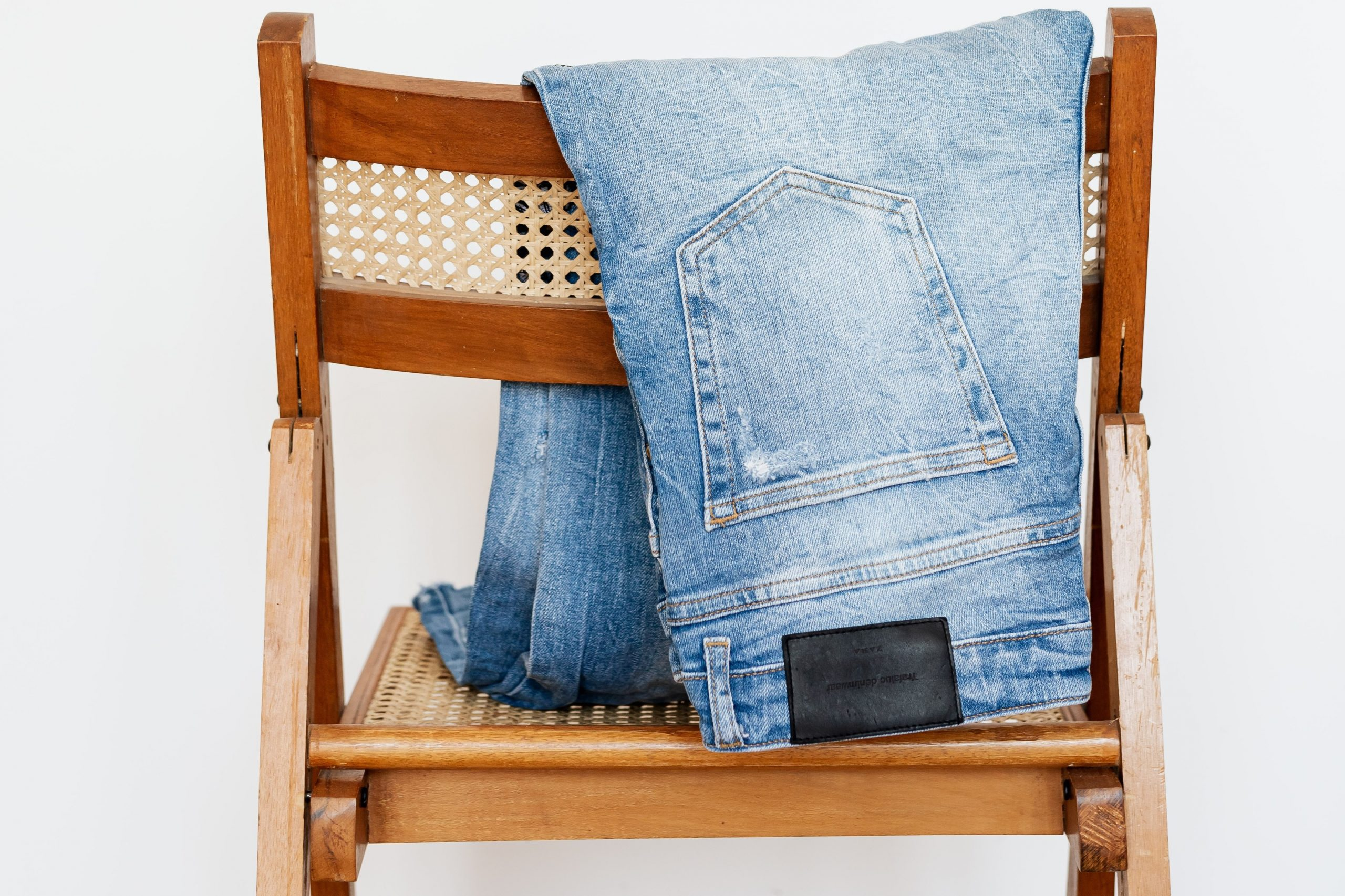Czytaj więcej o: Kurs kroju i szycia – poziom III stopnia – projektowanie spodni – start 07.06.2021!